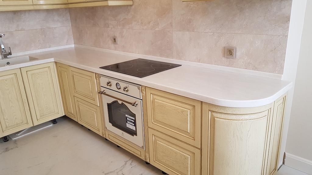 Угловая столешница с радиусным завершением для кухонного гарнитура (камень Samsung Staron и др. цвета в ассортименте). Фото 2 (радиус)