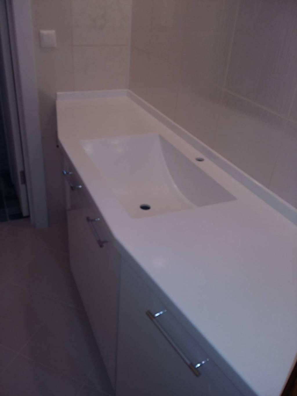 Столешница сложной формы с литой интегрированной раковиной для ванной комнаты (камень Grandex и др. цвета в ассортименте)
