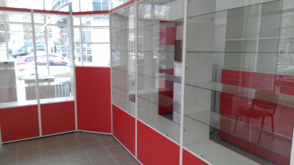 для торгового зала Материал ЛДСП Egger в ПВХ кромке 2мм и Стекло