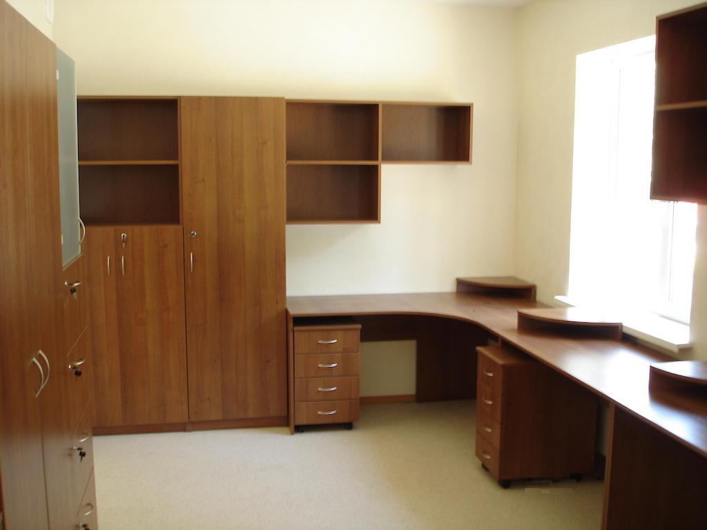 мебель по индивидуальным размерам (различные материалы и цвета)