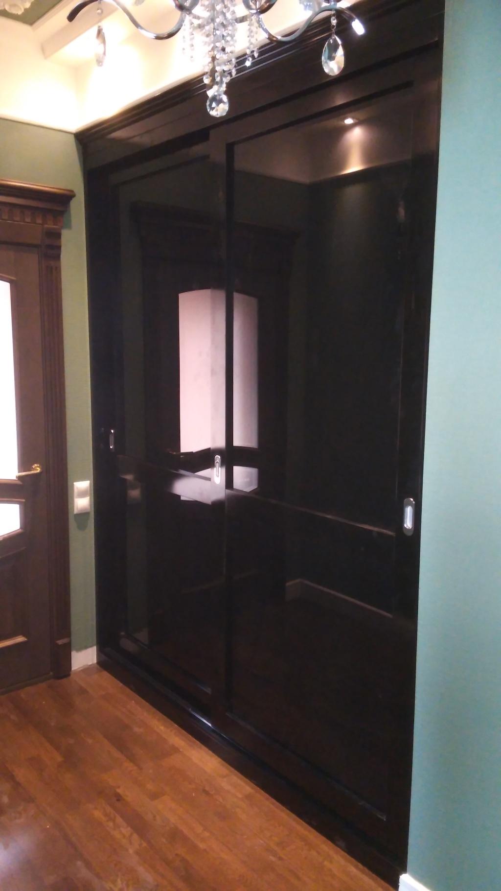 купе Аристократ черная глянцевая эмаль в сочетании с черным глянцевым стекло